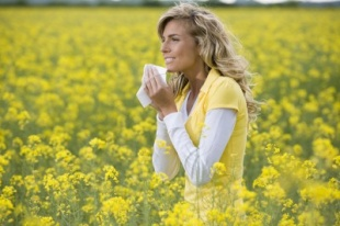 Sun and pollen allergy - symptoms and treatment