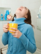 Methods to treat hoarseness and sore throat